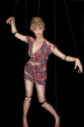 Mannequin on strings