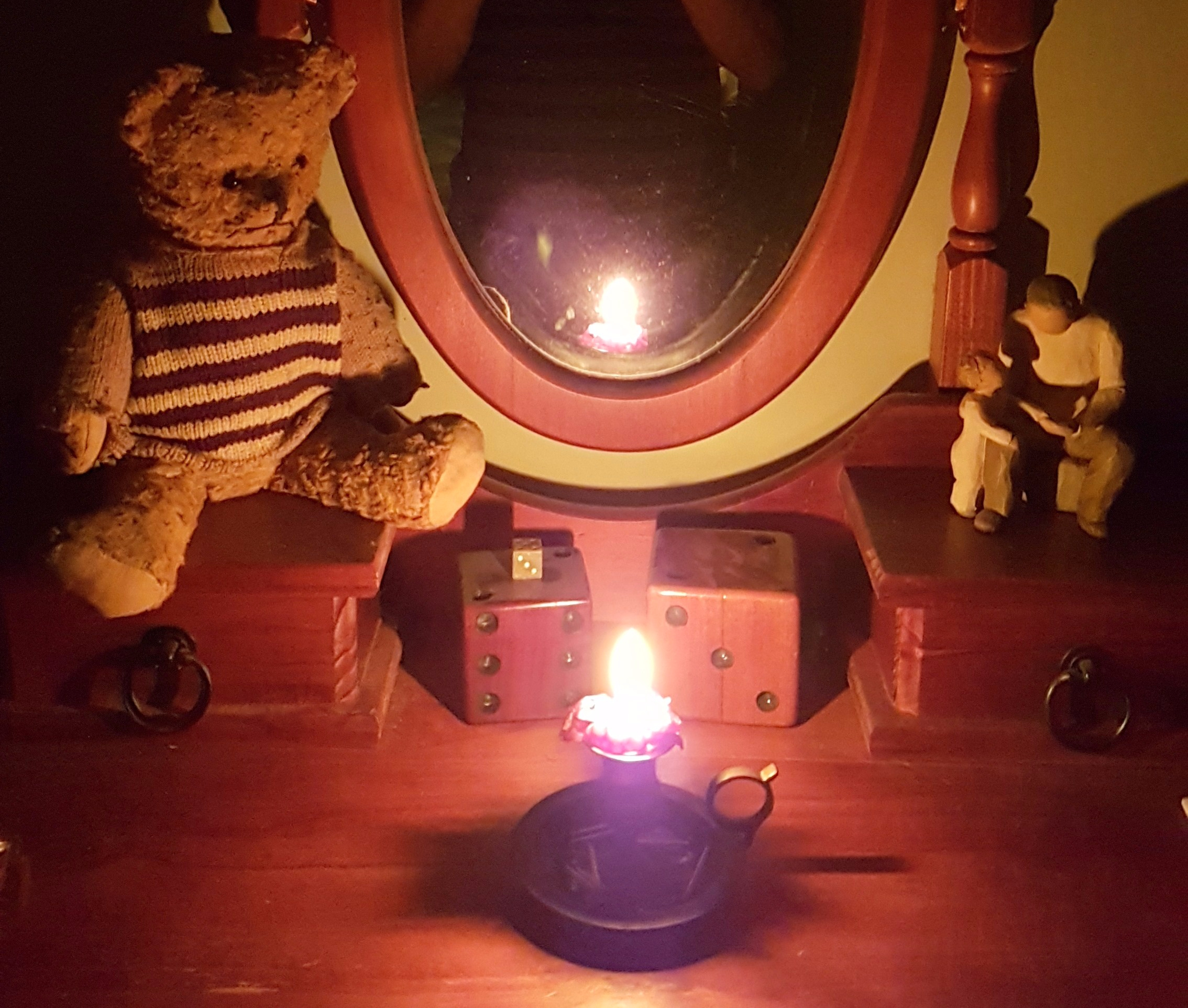 2017-03-24 Bedtime candle 1